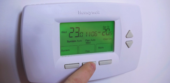 A Maintenance Minute on How to Operate Your Thermostat.